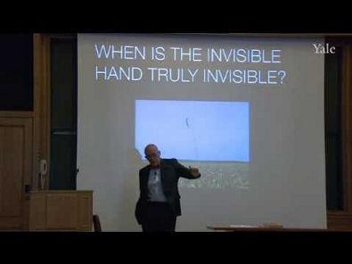 Yale Contando os Dedos da Mão Invisível de Adam Smith