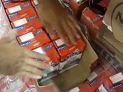 Vídeo explicando sobre a caixa de leite, com leite reaproveitado