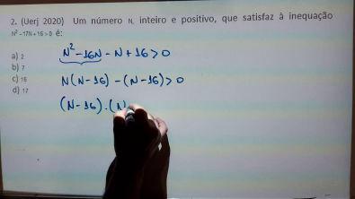 Exercícios de Função Quadrática (Inequações) - 6