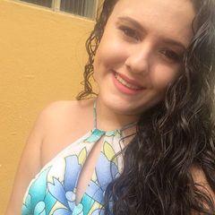 Layla  Vasconcelos