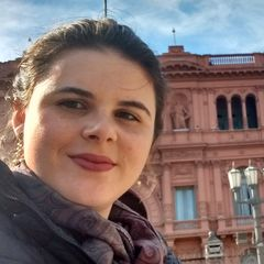Débora Maria  Biesek