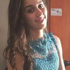 Camila  Moura