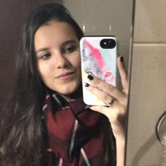 Lara  Teixeira