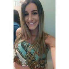 Julia  Fernandes