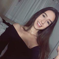 Alicia  Medeiros