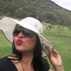 Andresa  Santos