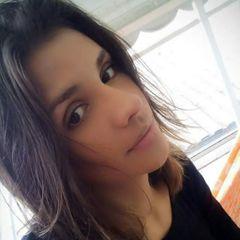 Clara Assis