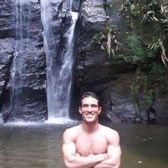 Thiago  Araújo