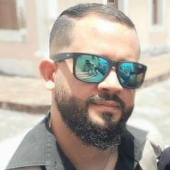 Athos  Farias
