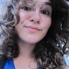 Caroline Mattos Flores