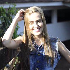Luana Caroline Schneider