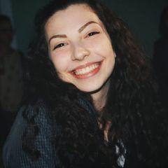 Letícia Cabral