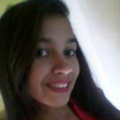 Claudia Aline Silvestre