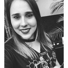 Raphaela  Melo