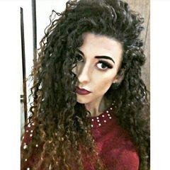 Claudia  Karine