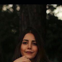 Júlia  Vilani
