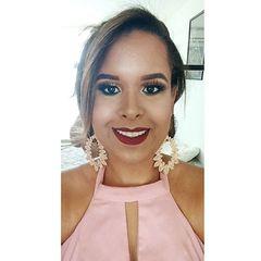 Lívia Santos