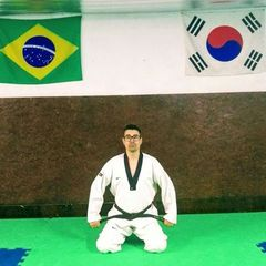 Daniel da Rocha professor bacharel Ed fisica, especialista treinamento desportivo. Coach cross training.