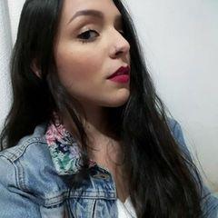 Larissa  Luna