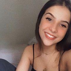 Júlia  Bassi