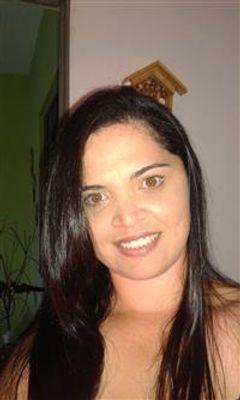 Elisangela Cruz