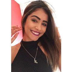 Lorraine  Oliveira
