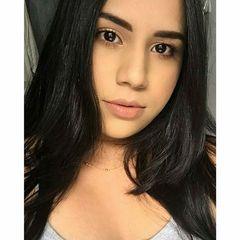 Julianna  Leão