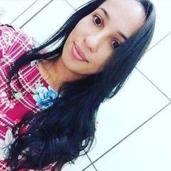 Renívia  Santos