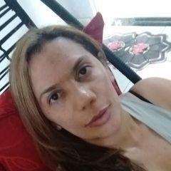 Laura  Novais