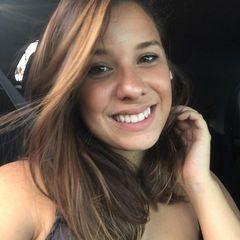 Larissa  Namur