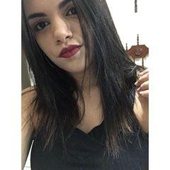 Isabela  Motta