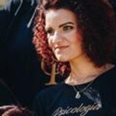 Monique  Domingos