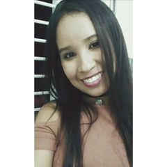 Caroline  Novaes