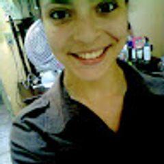 Carolinne Almeida