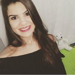 Laura  Nayara