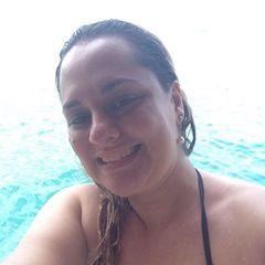 Aline Ti Carvalho