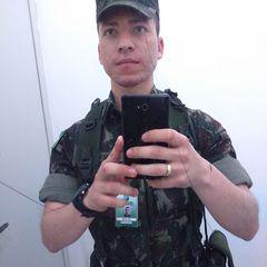 Adam Júnior
