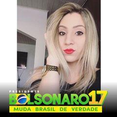 Júlia Araújo