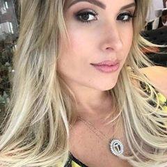 Camila Camargo