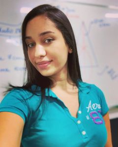 Profª. Thayná Leal  (matemática)