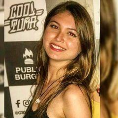 Bella Oliveira
