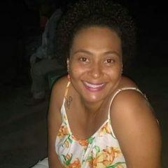 Emanuelle Ferreira