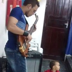 Andrew Moreira Bass