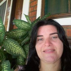 Eliane Araujo
