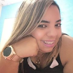 Camila Pires
